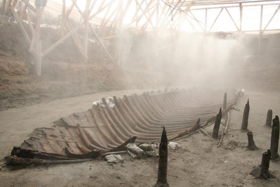 Yenikapi-shipwrecks1-141228